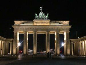 Beliebte Reiseziele in Deutschland wie Berlin, Hamburg, München und Dresden