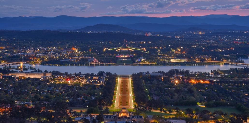 Canberra bei Nacht