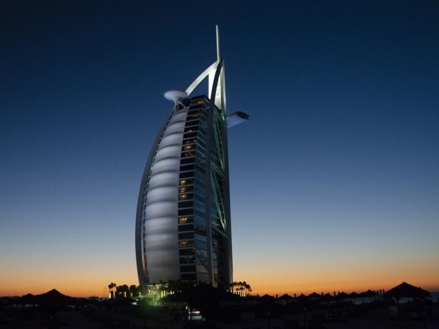 Aufregende Reiseziele weltweit wie Australien, Thailand, Dubai und die USA